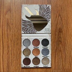 $5 BUY 2 GET 1 🆓 Crown Glam Metals Palette